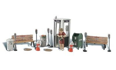 Street Accessories HO Model Train from Woodland Scenics A1941