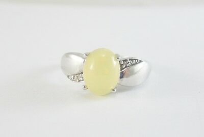 Beautiful Ladies Sterling Silver Moonstone And Diamond Ring 2.4G