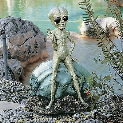 UFO Extra Terrestrial Roswell Alien Other Worldly Statue AREA 51 sculpture