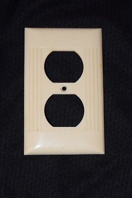 Vintage Mid Century Sierra Single Outlet Cover Ribbed Ivory Bakelite