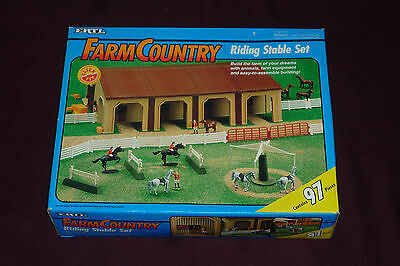 1993 Ertl 1/64 Scale Farm Country Riding Stables Set Complete 97pcs W/ Box