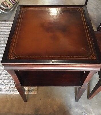 ANTIQUE STICKLEY OF GRAND RAPIDS END TABLE mahagony W LEATHER TOP
