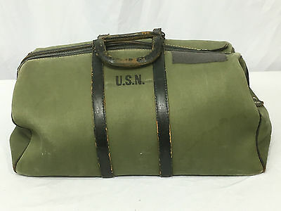 WWII US Navy Aviator's Hand Bag Type M-432-A