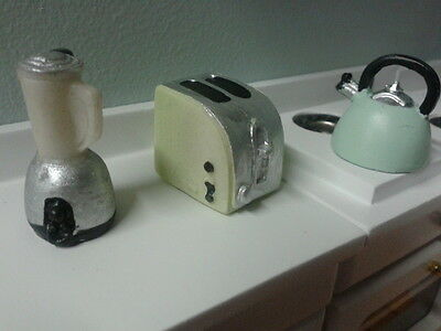 Dolls House Emporium 1/12th Scale Resin Kettle,Toaster & Smoothie Maker 3811 *