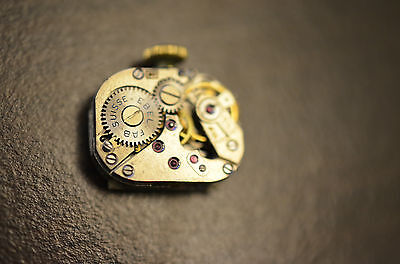 Watch movement EBEL cal 50 pour pièces / for parts - Ladies. - working !