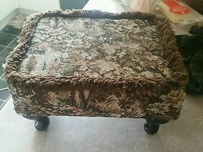 "Beautiful Small Vintage Tapestry Footstool 13"" X 10"" X 7"""