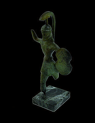 Ancient Greek Bronze statue sculpture Hoplite Warrior feerless in battle