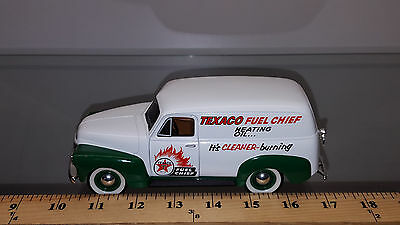 1/25 Spec Cast Bank 1952 Chevrolet Panel Delivery Texaco Fuel Chief #23503