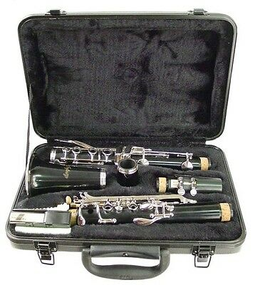 Hisonic Signature Series 2610 Bb Orchestra Clarinet with Case. Brand New