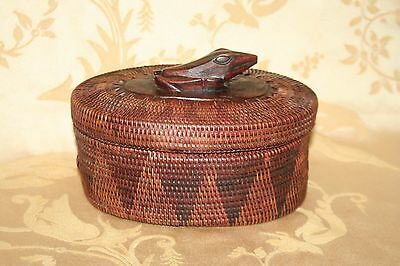 Vintage Unique Asian Style Oval Wood & Woven Reed Trinket Box Basket w/ Frog Lid