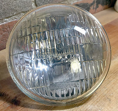 "Wagner H4467 5 3/4"" Round 12 V Sealed Beam Motorcycle Headlight 50W / 35W"
