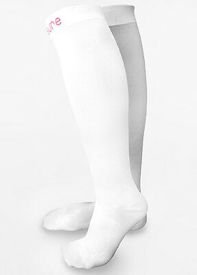 NEW - Venosure - White Graduated Compression Maternity Socks