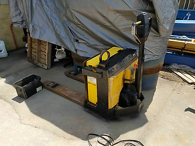 Yale 24 Volt 4000# Capacity Self-Propelled Walk Behind Electric Pallet Truck