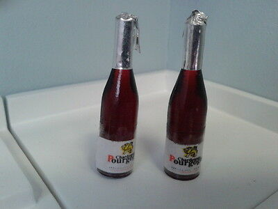 Dolls House Miniatures 1/12th Scale Accessory 2 bottles of Champagne D462 New