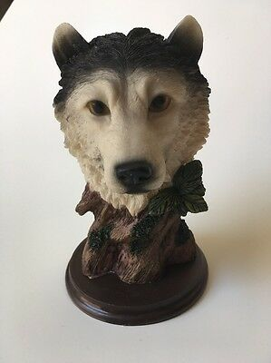 "White Wolf Head on Base Figurine 5.25"" Tall Resin Lightweight Southwestern"