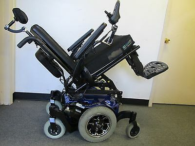 Quickie  Pulse Wheelchair With Power Tilt & Center Mount Foot Plate.easy Tranfer