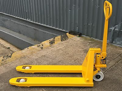 Brand New 2500Kg Heavy Duty Hand Pallet Truck £209 including VAT & DELIVERY