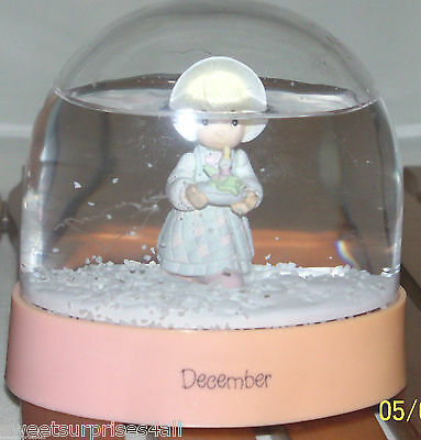 Vintage precious moments DECEMBER girl  water snowglobe 1988