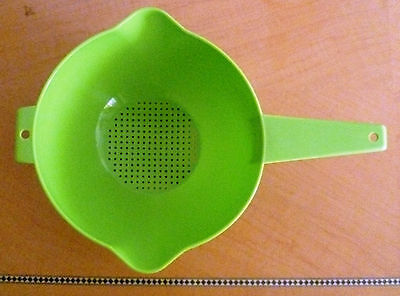 Tupperware - Free Shipping  New Strainer 8 cups Easy sneaks.