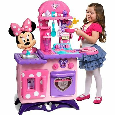 Disney Minnie Mouse Flipping Fun Girls Play Kitchen with accessories and utensil
