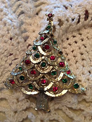 Vintage Christmas Tree Pin Brooch Gold Tone Red Green Rhinestone Costume Jewelry