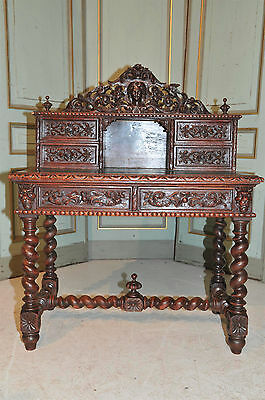 Antique French Hunt Desk in Oak 19th Century Beautiful Carved Model Carved Birds