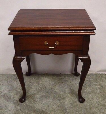 Henkel Harris Queen Anne Solid Mahogany Nightstand Bedside End Table Swivel Top
