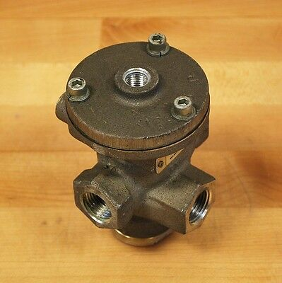 "Parker N37441091 Air Pilot 3 Way Valve, 1/2"" Inlet. - USED"