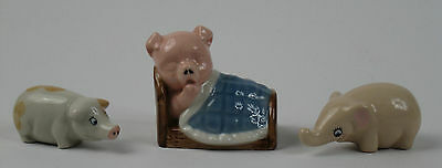 Wade Boxed Pocket Pals Tusker, Pig in Bed (Family Favourites), Pig. Badges