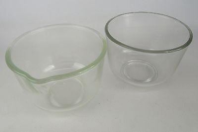 Lot of 2 Small Mixing Bowls 1 With Pour Spout 2 Quarts