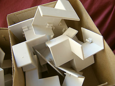 10 x CLIPSAL Mini Duct Fittings, Mini Trunking Left Intersection Tee 900/25/16TL