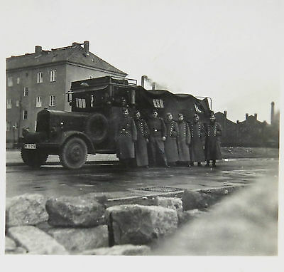 LKW Lastwagen Soldaten Foto WK 2 aus Album Luftwaffe DR WW War Photo (I-1360