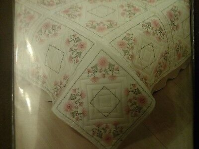 Tobin Quilt Blocks To Embroider Gloriosa. Free Delivery