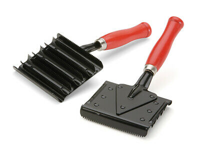 Shires Jockey Curry Comb for cleaning brushes **ONE SIZE**