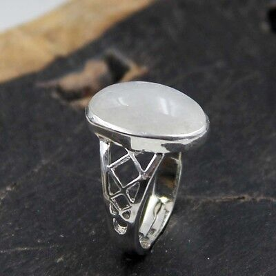 White Agate Gemstone Bead Silvertone Alloy Metal Ring