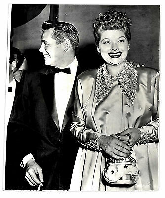 1953 Press Photo of Lucille Ball & Desi Arnaz at Emmy's