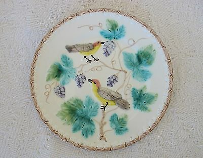 ANTIQUE ZELL GERMAN MAJOLICA 23.5cm Birds & Grape Vine PLATE  on white b'ground