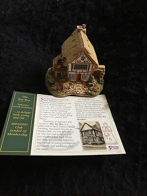 "Lilliput Lane Cottages ""The Toy Box"""
