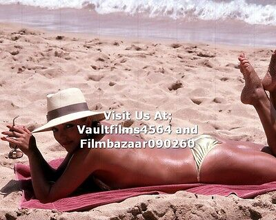 "JOAN COLLINS - 10"" x 8"" Colour Photo On Holiday In Barbados 1970's  #1904"