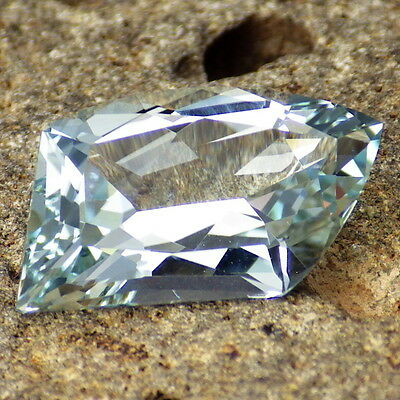 UNTREATED BLUE TOPAZ-NAMIBIA 8.44Ct FLAWLESS-FOR TOP JEWELRY-PASTEL BLUE COLOR