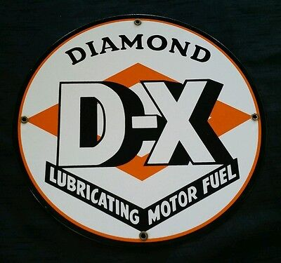 Vintage D-X Diamond Lubricating Motor Fuel Gas Oil Porcelain Enamel Sign