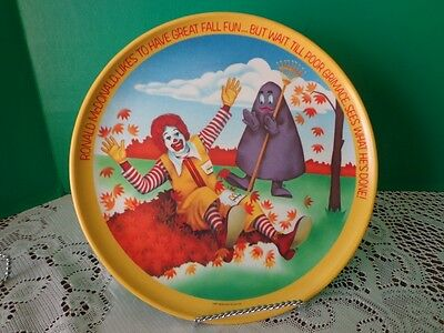 Vtg McDonalds Plastic Collector Plate USA 1977 Ronald Grimace Fun Fall Leaves