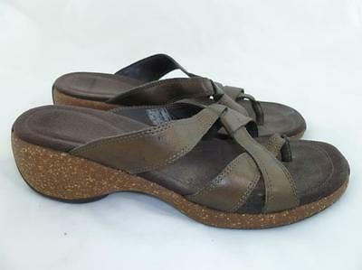 Merrell Used 8 Sundial Cross Antique Brass Comfort Thongs/sandals/flip Flops