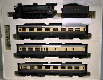 Hornby OO Great Western Express Passenger Train Pack IBH-78-SH