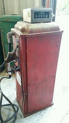 Vintage Wayne Gas Pump Company Dispenser Oil Service Station SHIPPING INCLUDED