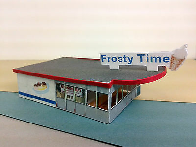 N Scale Building - Retro Style Ice Cream Restaurant