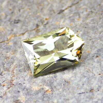 APATITE-MEXICO 2.39Ct FLAWLESS-YELLOW GREEN COLOR-FOR JEWELRY-GERMAN CUT