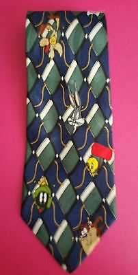 "Looney Tunes Mania 100% Silk Tie with Bugs Bunny and Friends 3 6/8"" × 56 1/2"""