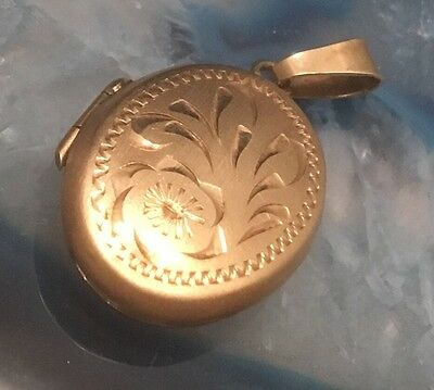 BEAUTIFUL Antique Hand Chased Solid 10k Yellow Gold Oval Locket Pendant USA-L212