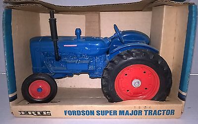 ERTL FORDSON SUPER MAJOR TRACTOR 1/16th - New in Box  (19)